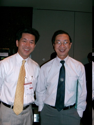 01 Keynote Speaker - Prof Tan (right) with F T Liu